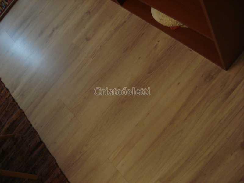Todo em laminado de madeira - Apartamento para venda na Bela Vista - ISVE0094 - 4