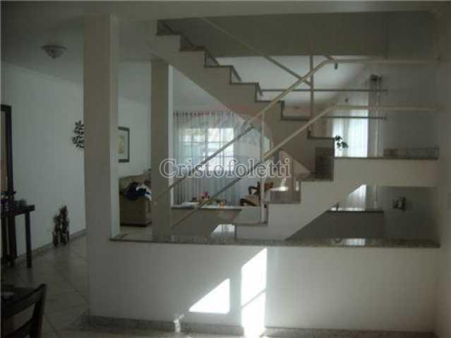 Escadaria dividindo a sala. - Casa Rua Backer,São Paulo,Zona Centro,Cambuci,SP À Venda,3 Quartos,200m² - CAVE0004 - 9