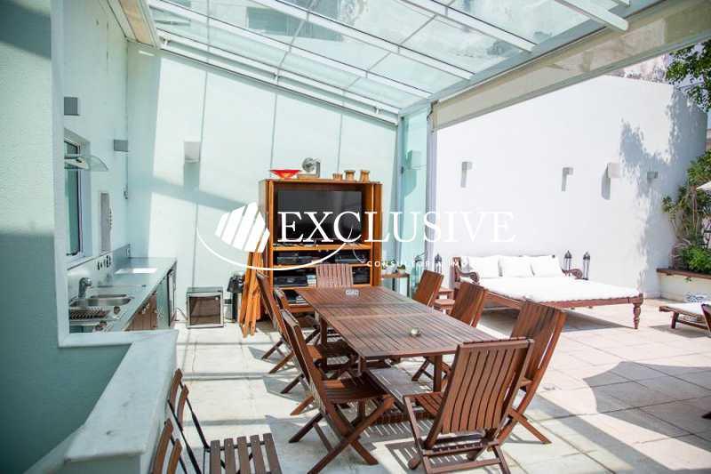 de0ef2764b1c3044fd7a8510e93b5a - Casa em Condomínio à venda Rua Leblon,Leblon, Rio de Janeiro - R$ 17.000.000 - SLI30133 - 29