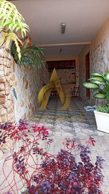 7 - Casa em Condomínio Rua São Calisto,Tanque, Rio de Janeiro, RJ À Venda, 4 Quartos, 340m² - AOJ60094 - 17