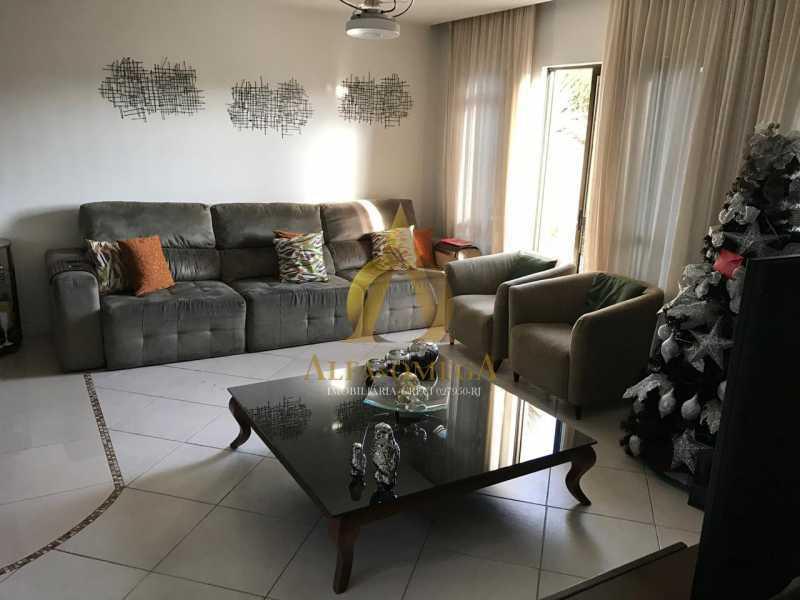 12 - Casa em Condomínio Rua Caniu,Pechincha, Rio de Janeiro, RJ Para Venda e Aluguel, 3 Quartos, 208m² - AOJ60105 - 1