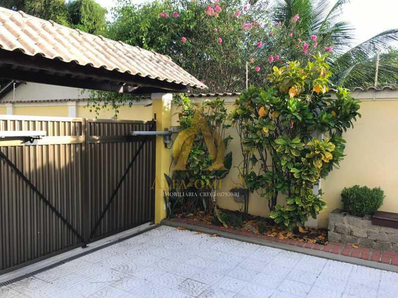21 - Casa em Condomínio Rua Caniu,Pechincha, Rio de Janeiro, RJ Para Venda e Aluguel, 3 Quartos, 208m² - AOJ60105 - 22