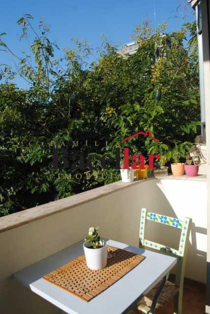 14. - Sala e quarto e uma charmosa varanda - TIAP11012 - 3