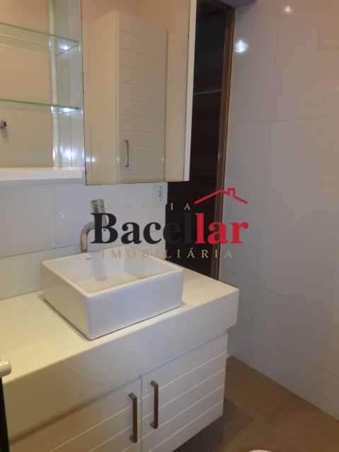 1050_01_62BanheiroSuite 1 - Imóvel Apartamento À VENDA, Praça da Bandeira, Rio de Janeiro, RJ - TIAP30993 - 20