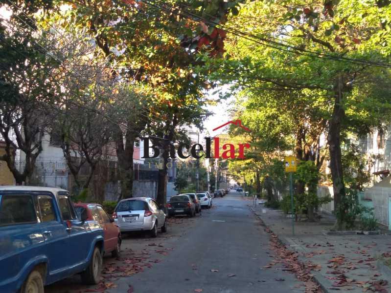 araxa1 - Uma verdadeira casa suspensa com ótimo terraço e churrasqueira. - TIAP31311 - 3