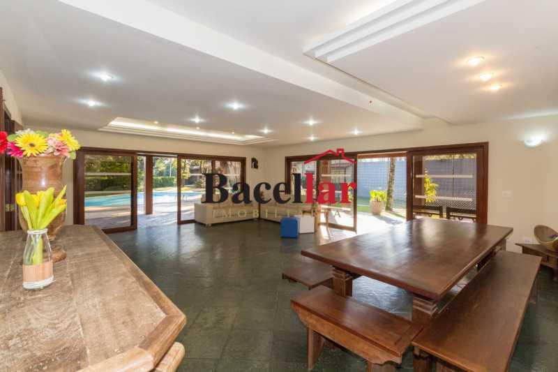 2020-05-22 at 16.20.55 6. - Casa de condomínio com 6 suítes de 85m2 ,com balsa exclusiva para ir a praia . - TICN60001 - 6