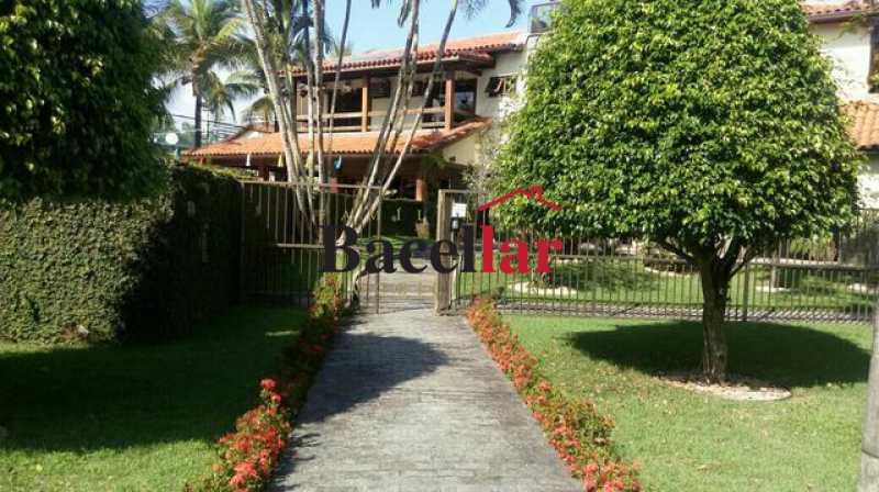 245724112572679 - Casa de condomínio com 6 suítes de 85m2 ,com balsa exclusiva para ir a praia . - TICN60001 - 4