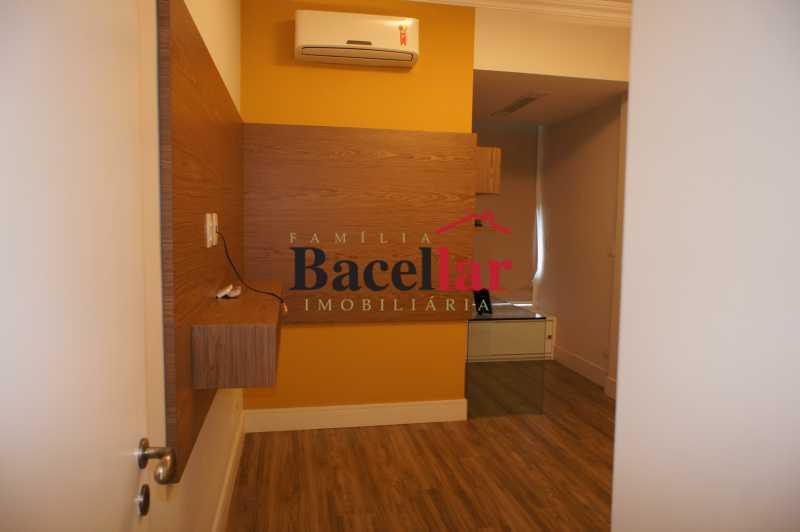 18 - Apartamento à venda Rua Pinheiro Machado,Laranjeiras, Rio de Janeiro - R$ 685.000 - TIAP23822 - 16