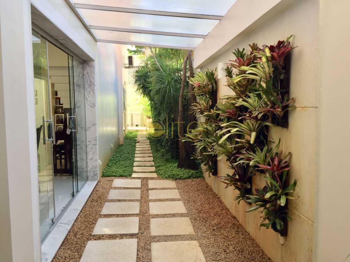 13 - Casa À Venda no Condomínio Santa Mônica Classic House - Barra da Tijuca - Rio de Janeiro - RJ - EBCN50149 - 14