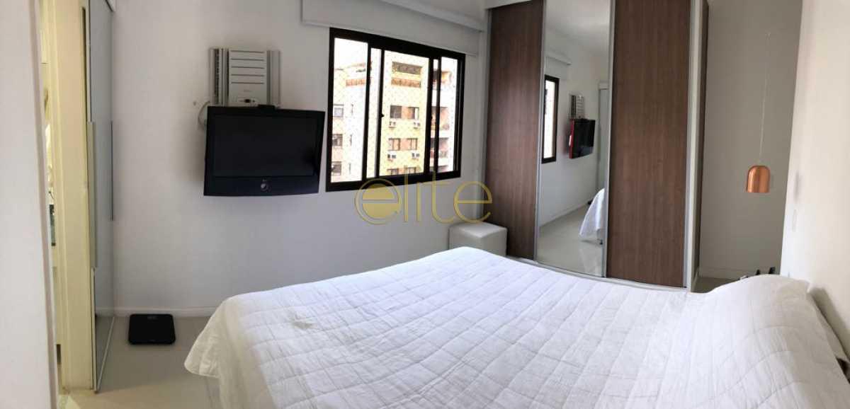 4 - Apartamento À Venda no Condomínio ABM - Barra da Tijuca - Rio de Janeiro - RJ - EBAP30126 - 9