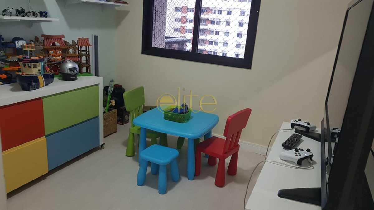 11 - Apartamento À Venda no Condomínio Santa Mônica - Barra da Tijuca - Rio de Janeiro - RJ - EBAP40121 - 12