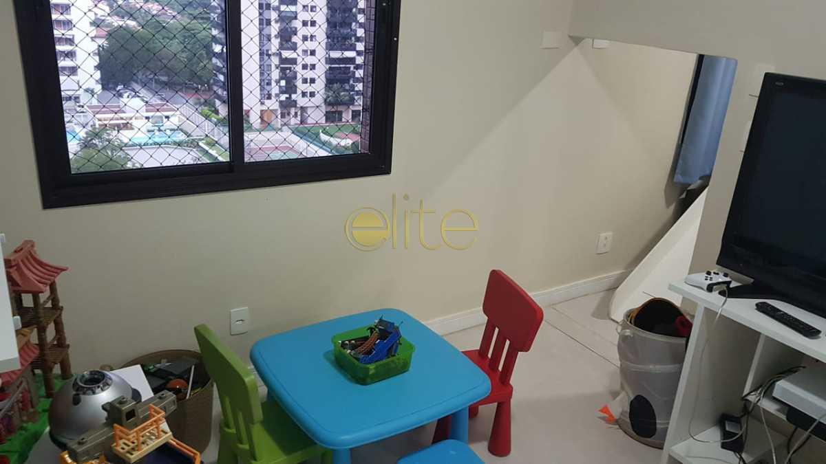 12 - Apartamento À Venda no Condomínio Santa Mônica - Barra da Tijuca - Rio de Janeiro - RJ - EBAP40121 - 13
