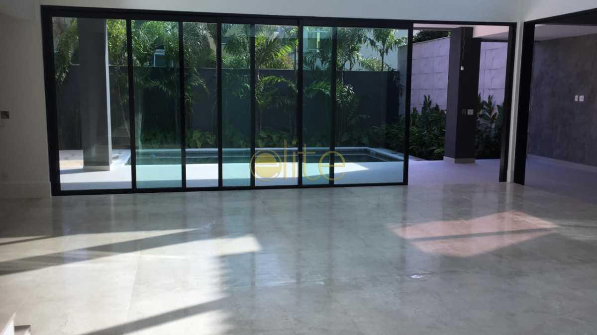 7 - Casa À Venda no Condomínio Quintas do Rio - Barra da Tijuca - Rio de Janeiro - RJ - EBCN50173 - 8