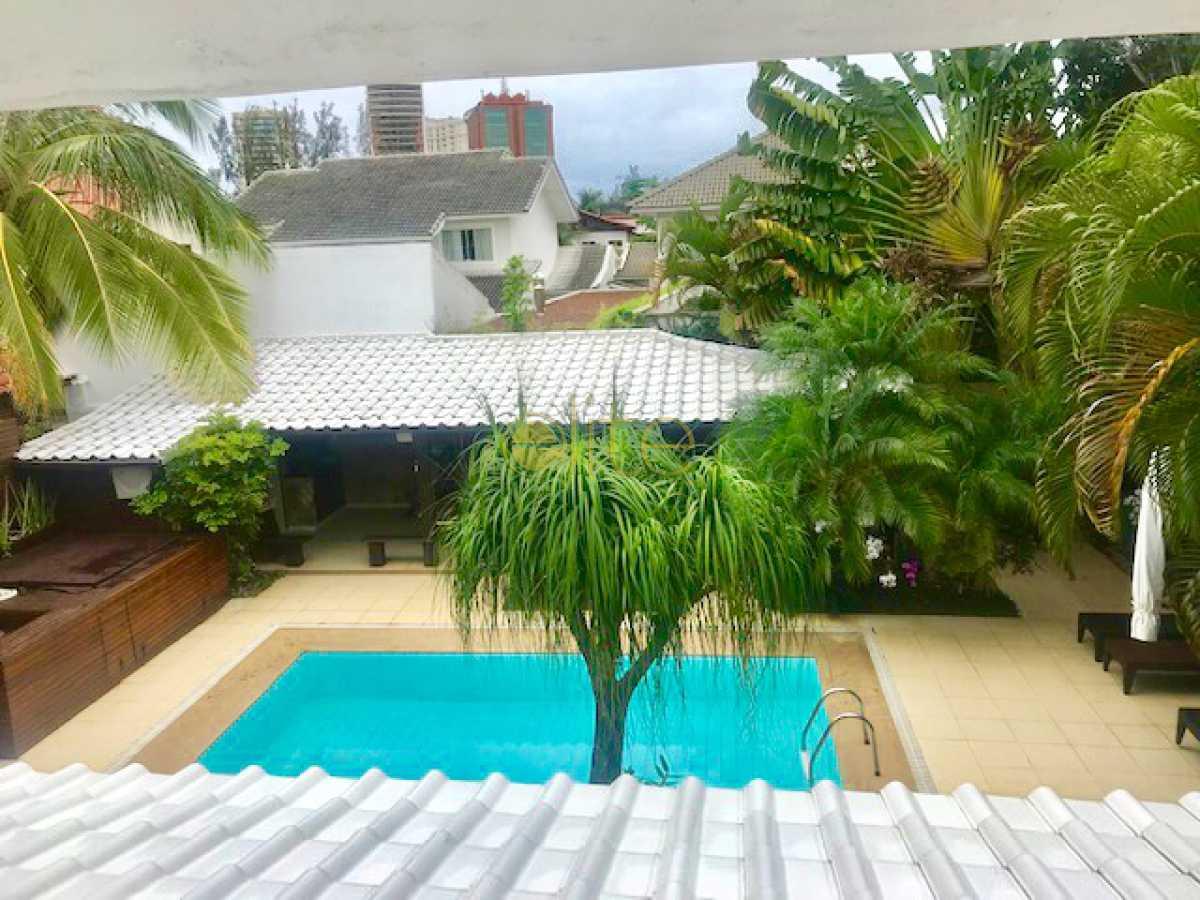 1 - Casa À Venda no Condomínio Santa Mônica Classic House - Barra da Tijuca - Rio de Janeiro - RJ - EBCN50177 - 1