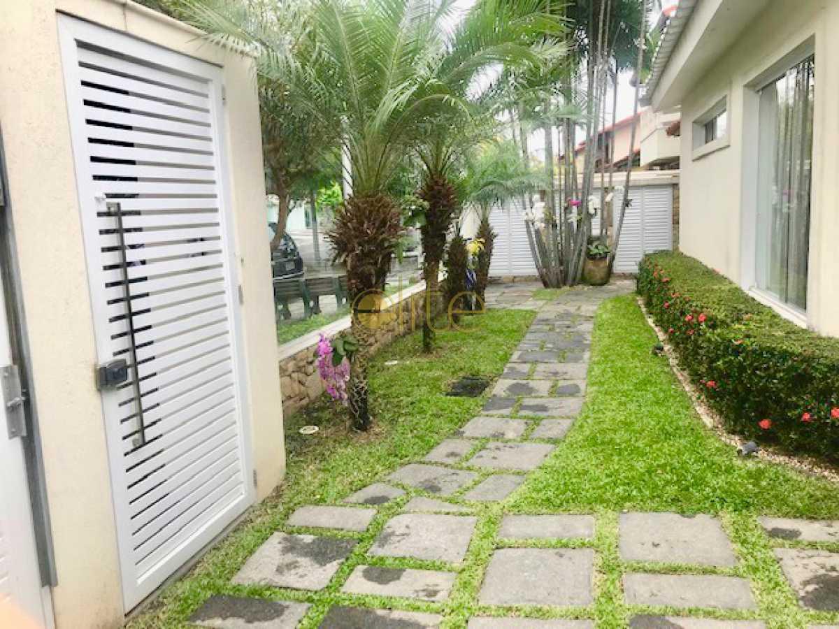 3 - Casa À Venda no Condomínio Santa Mônica Classic House - Barra da Tijuca - Rio de Janeiro - RJ - EBCN50177 - 4