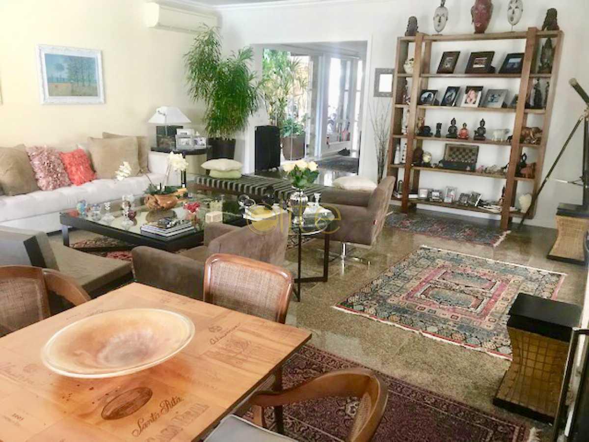 6 - Casa À Venda no Condomínio Santa Mônica Classic House - Barra da Tijuca - Rio de Janeiro - RJ - EBCN50177 - 7