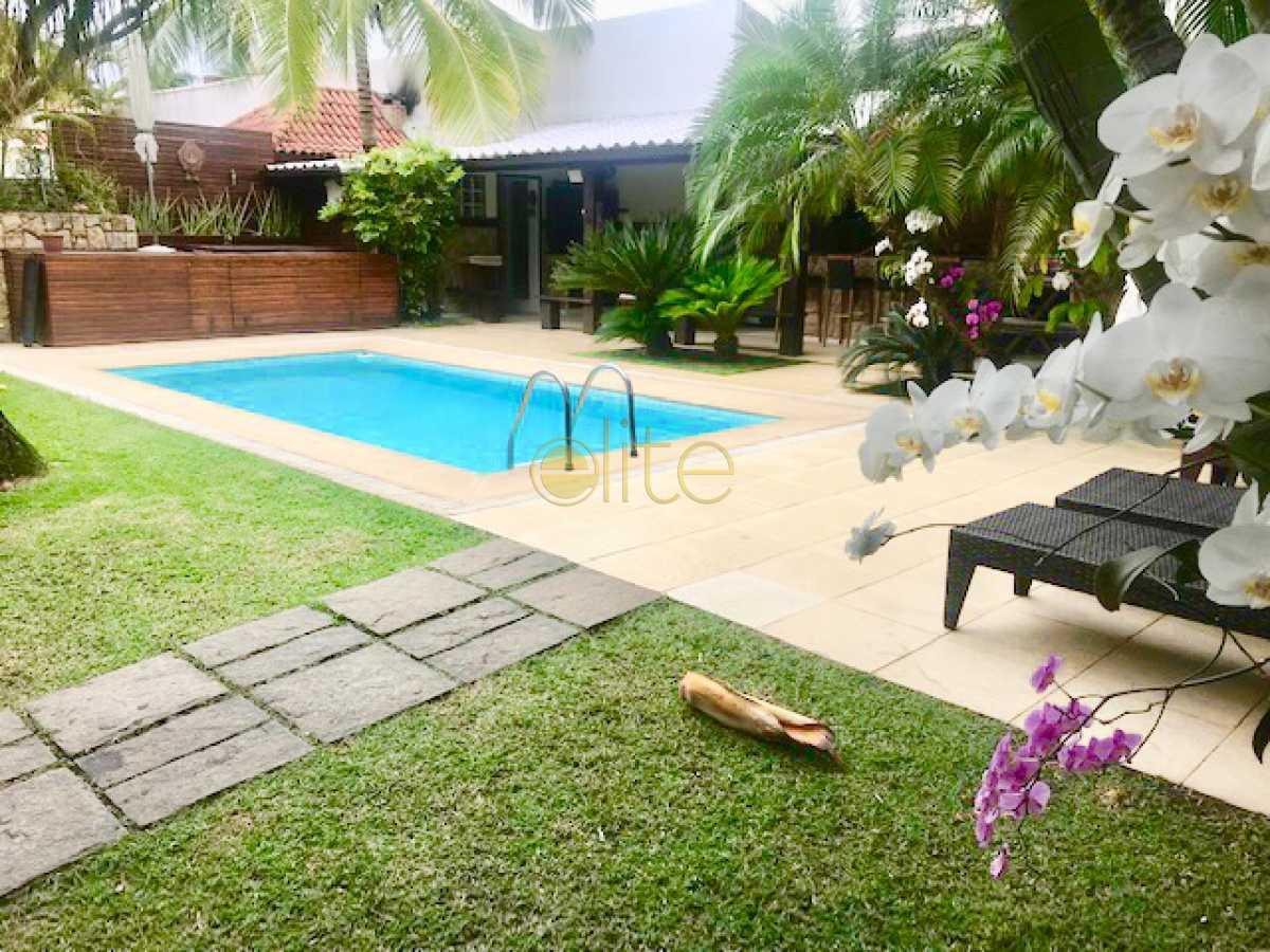 18 - Casa À Venda no Condomínio Santa Mônica Classic House - Barra da Tijuca - Rio de Janeiro - RJ - EBCN50177 - 19