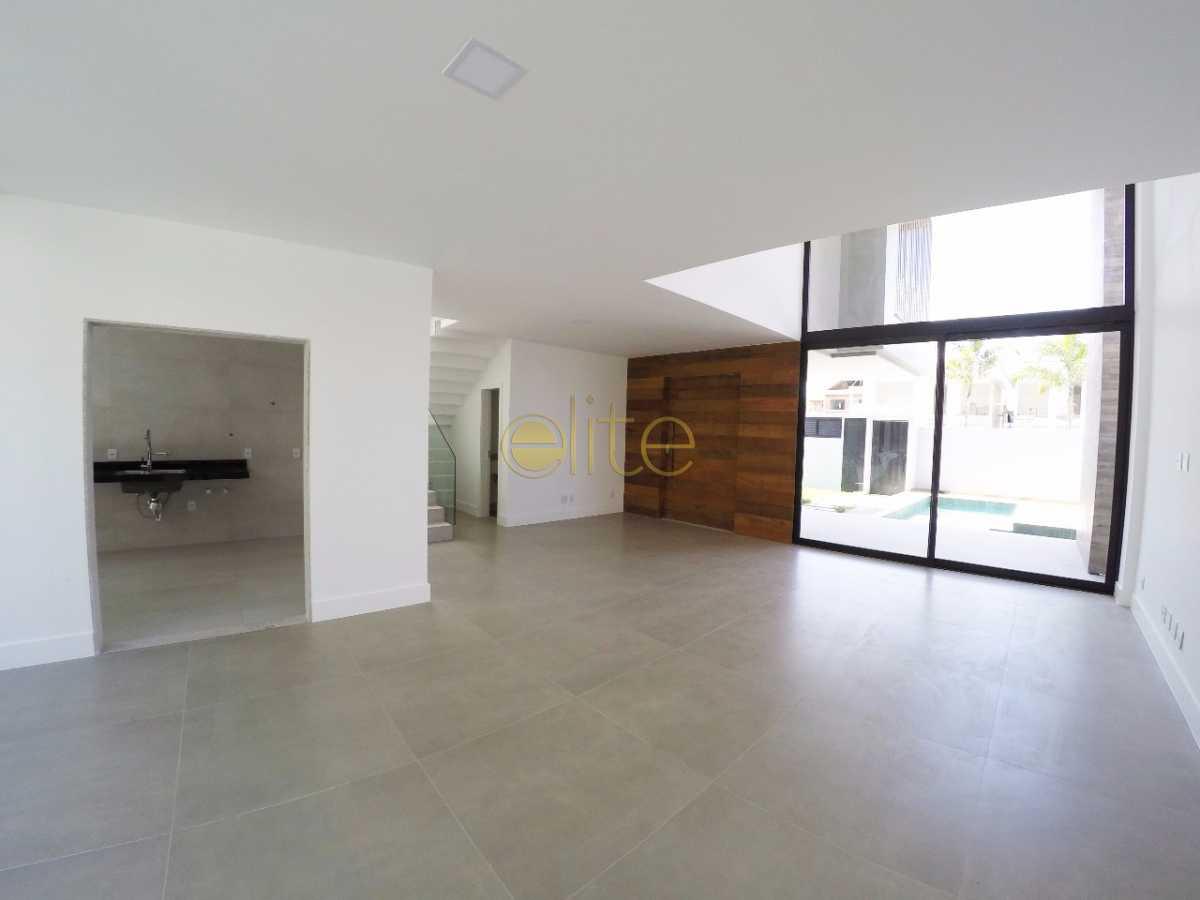 07 - Casa À Venda no Condomínio Art-Life - Recreio dos Bandeirantes - Rio de Janeiro - RJ - EBCN30018 - 9