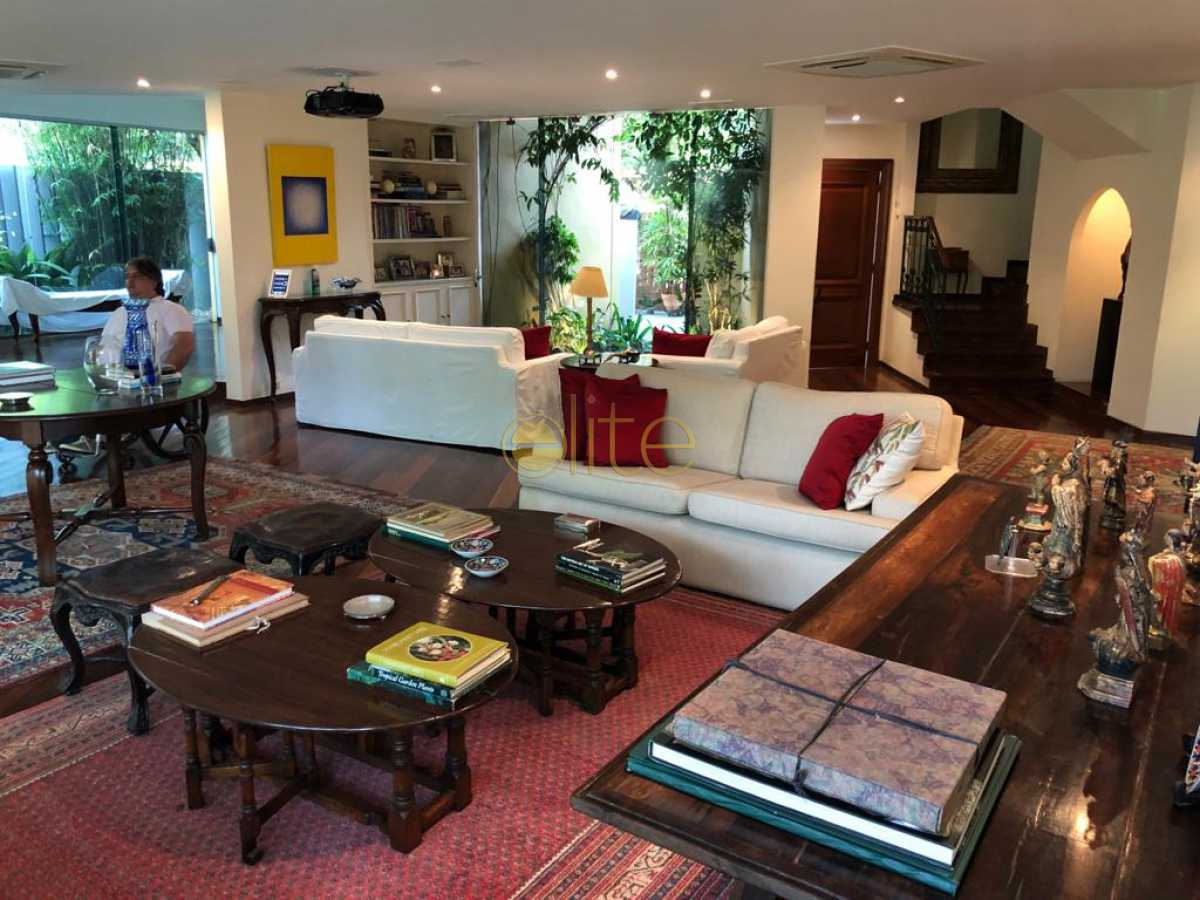 1aa - Casa À Venda no Condomínio Santa Helena - Barra da Tijuca - Rio de Janeiro - RJ - EBCN50180 - 4