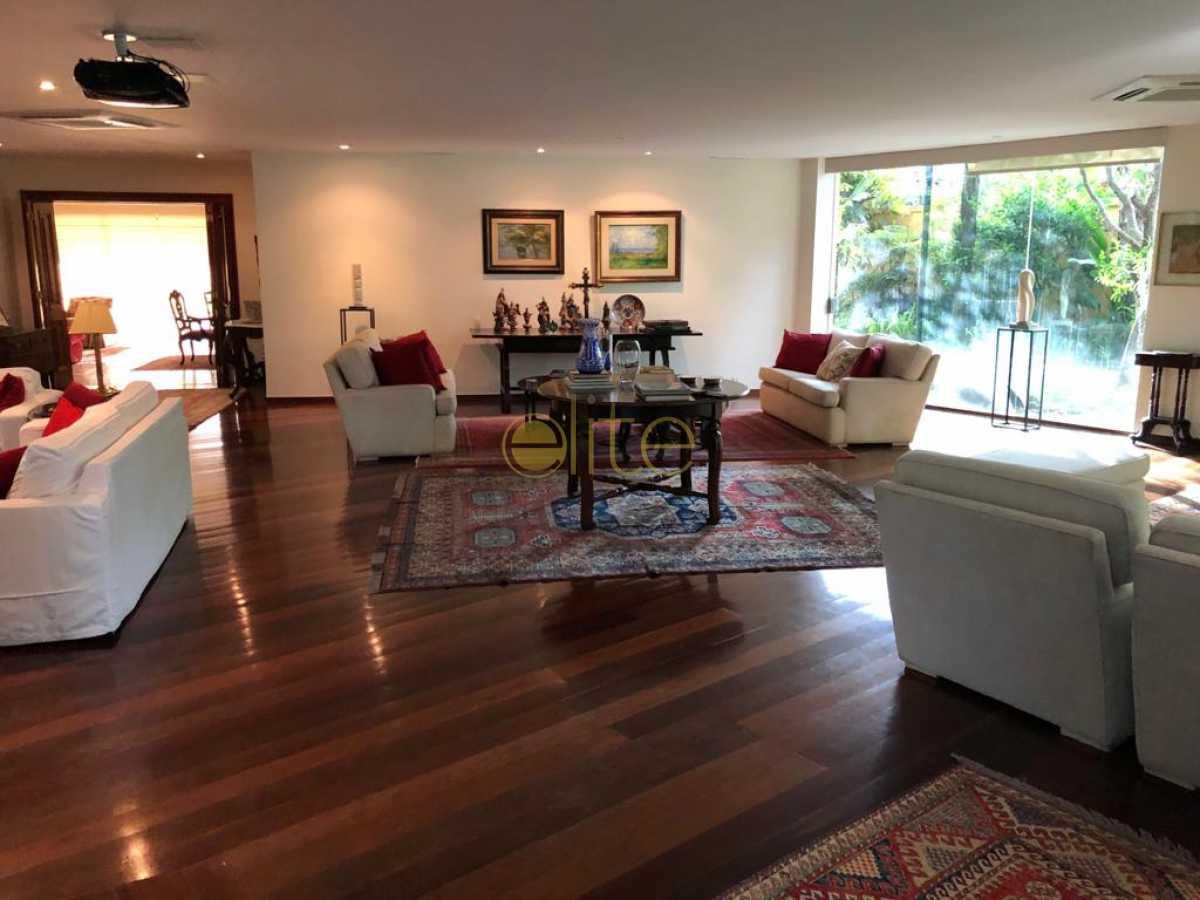 50 - Casa À Venda no Condomínio Santa Helena - Barra da Tijuca - Rio de Janeiro - RJ - EBCN50180 - 18