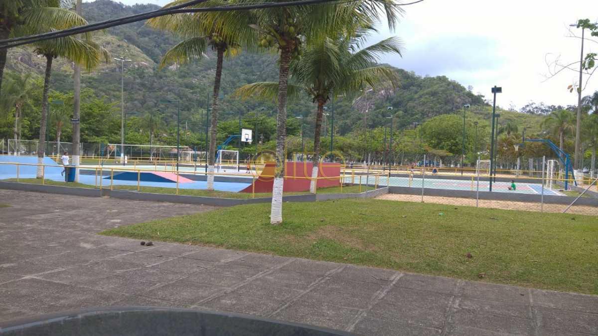 17 - Casa À Venda no Condomínio Maramar - Recreio dos Bandeirantes - Rio de Janeiro - RJ - EBCN40168 - 18