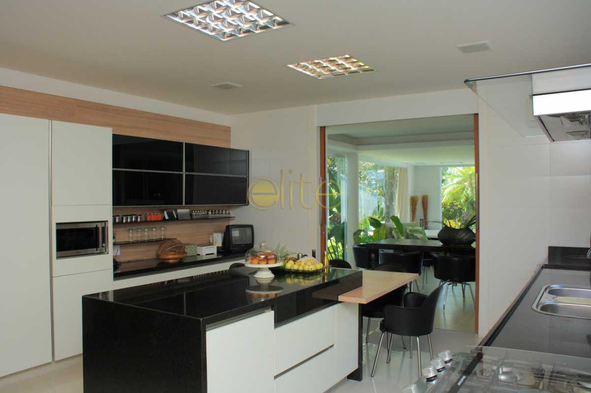 10 - Casa À Venda no Condomínio Malibu - Barra da Tijuca - Rio de Janeiro - RJ - EBCN40184 - 11