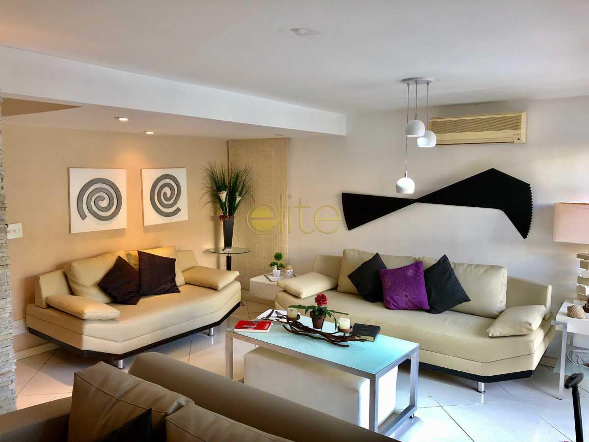 6 - Casa À Venda no Condomínio 3100 - Barra da Tijuca - Rio de Janeiro - RJ - EBCN30023 - 7