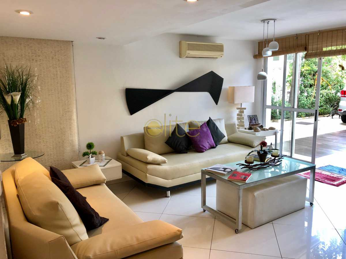 7 - Casa À Venda no Condomínio 3100 - Barra da Tijuca - Rio de Janeiro - RJ - EBCN30023 - 8