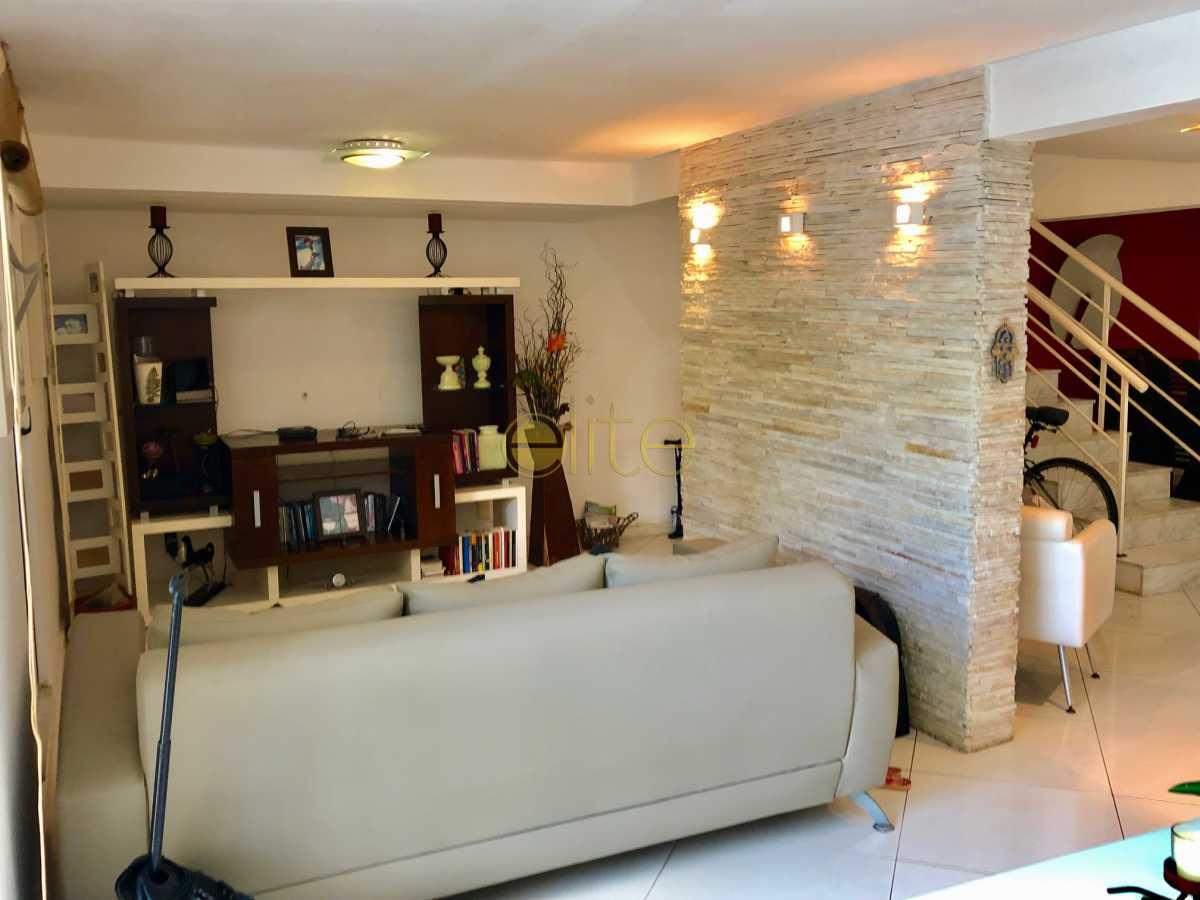 8 - Casa À Venda no Condomínio 3100 - Barra da Tijuca - Rio de Janeiro - RJ - EBCN30023 - 9