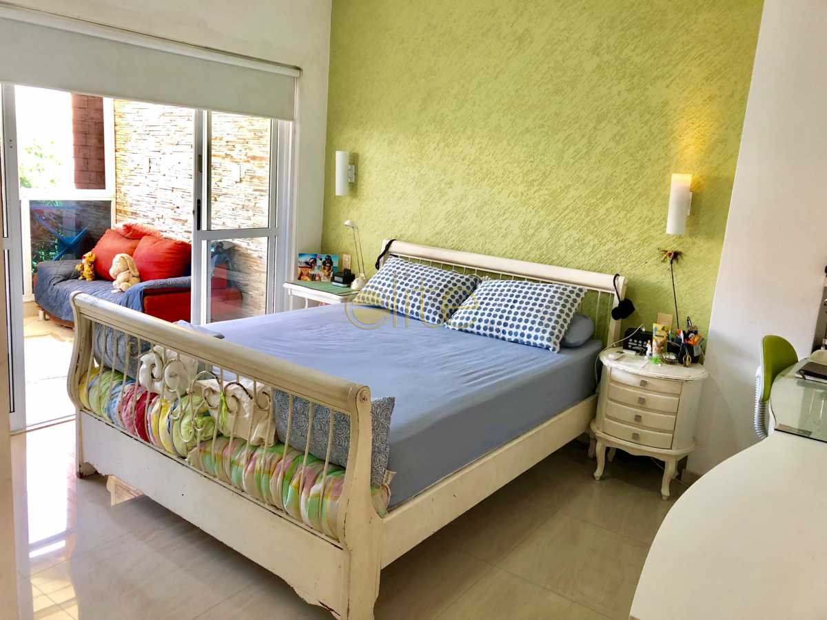 14 - Casa À Venda no Condomínio 3100 - Barra da Tijuca - Rio de Janeiro - RJ - EBCN30023 - 15