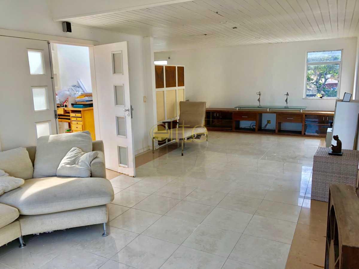 24 - Casa À Venda no Condomínio 3100 - Barra da Tijuca - Rio de Janeiro - RJ - EBCN30023 - 25