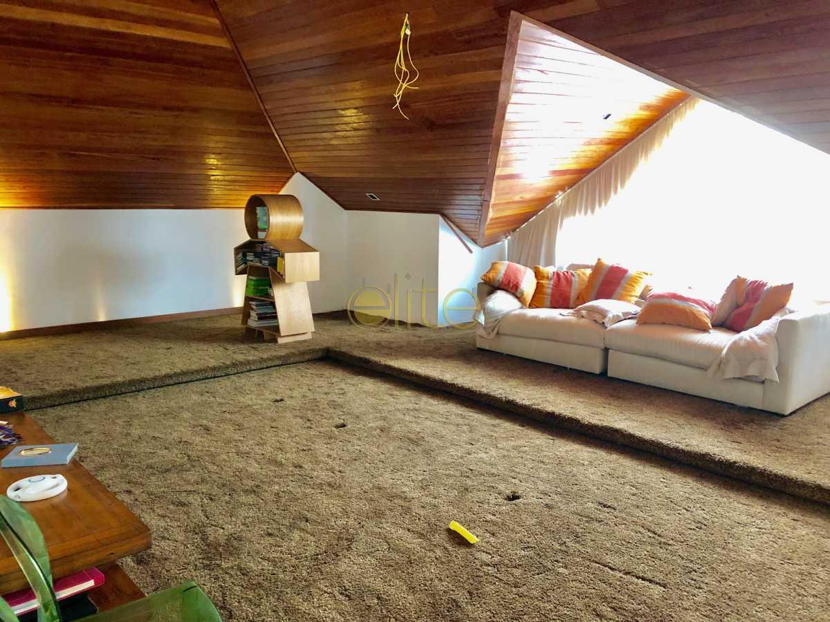 19 - Casa À Venda no Condomínio Santa Monica Jardins - Barra da Tijuca - Rio de Janeiro - RJ - EBCN70012 - 20