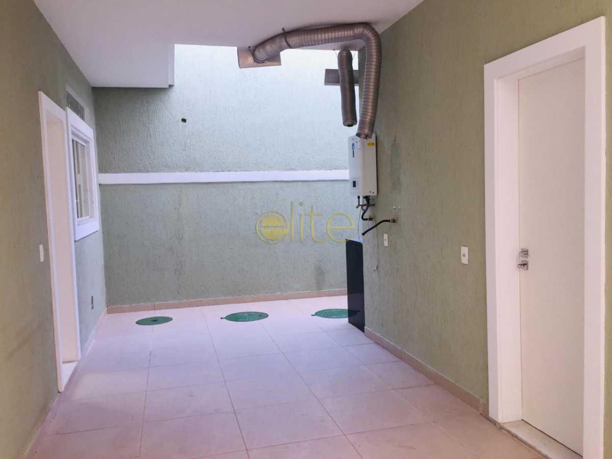 8 - Casa À Venda no Condomínio Rio Mar - Barra da Tijuca - Rio de Janeiro - RJ - EBCN40190 - 9