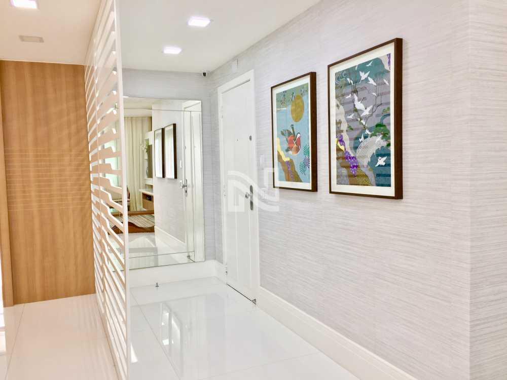 HALL ENTRADA - Apartamento À Venda no Condomínio GOLDEN GREEN - Barra da Tijuca - Rio de Janeiro - RJ - SVAP40077 - 7