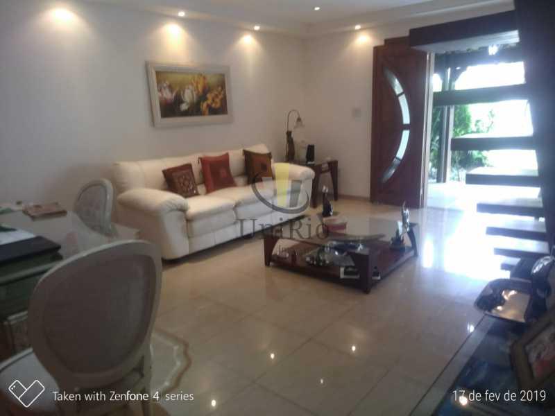 PHOTO-2019-05-13-15-03-22 1 - Casa em Condomínio 5 quartos à venda Taquara, Rio de Janeiro - R$ 850.000 - FRCN50003 - 5