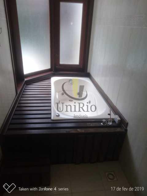 PHOTO-2019-05-13-15-03-22 2 - Casa em Condomínio 5 quartos à venda Taquara, Rio de Janeiro - R$ 850.000 - FRCN50003 - 9