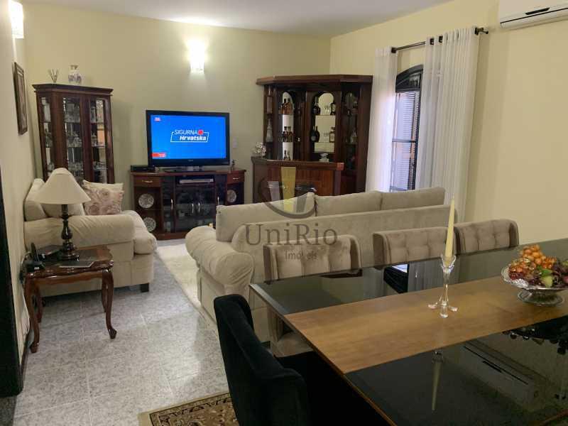 5605B83B-63C9-420E-97E5-9700DC - Casa em Condomínio 3 quartos à venda Vila Valqueire, Rio de Janeiro - R$ 1.300.000 - FRCN30049 - 3
