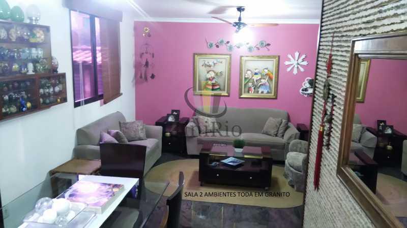 70788551-D7CC-4121-813E-2E62C9 - Casa em Condomínio 5 quartos à venda Taquara, Rio de Janeiro - R$ 620.000 - FRCN50006 - 1