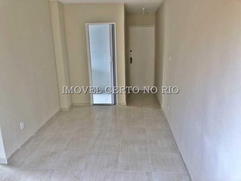 02 - Apartamento à venda Rua Moacir de Almeida,Tomás Coelho, Rio de Janeiro - R$ 160.000 - ICAP20030 - 3