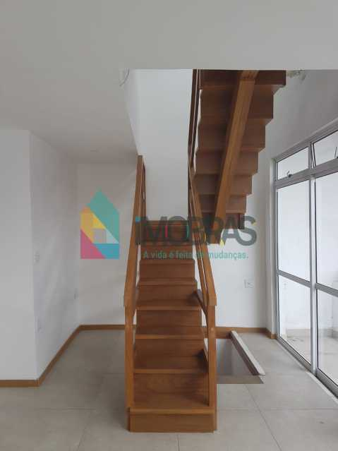 escada para o 3º andar - IMOBRASRJ VENDE!! Maravilhosa cobertura triplex na lagoa com 2 vagas escrituradas - BOCO30044 - 22