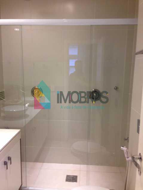 banheiro suite frente duplo ch - APARTAMENTO EM COPACABANA COM VISTA MAR, QUADRA DA PRAIA DE 3 QUARTOS!! - CPAP31211 - 29