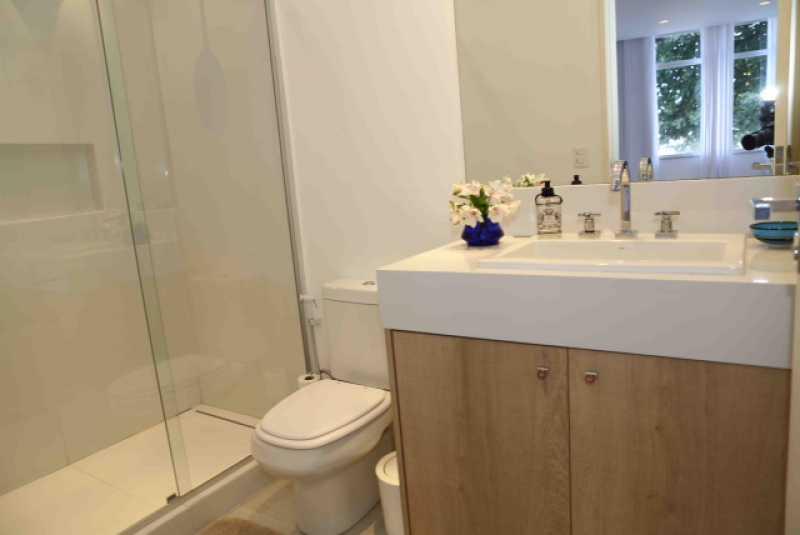 10- Banheiro suite 1 - Apartamento Avenida Atlântica,Copacabana, IMOBRAS RJ,Rio de Janeiro, RJ Para Venda e Aluguel, 5 Quartos, 300m² - AP669 - 11