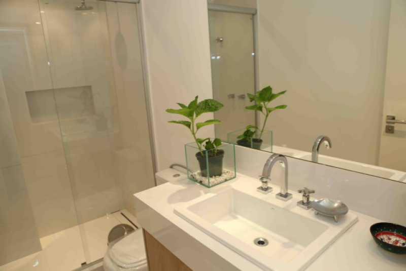 25-Banheiro da Suite 5 - Apartamento Avenida Atlântica,Copacabana, IMOBRAS RJ,Rio de Janeiro, RJ Para Venda e Aluguel, 5 Quartos, 300m² - AP669 - 26