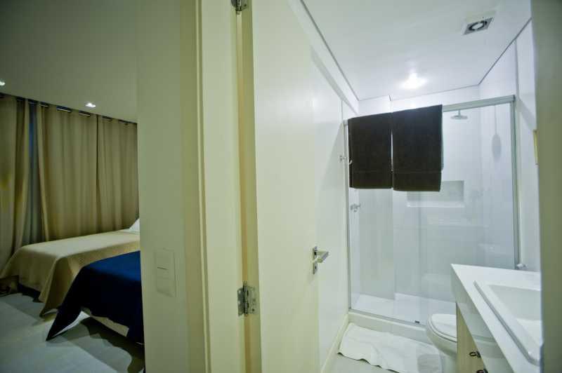 24-Banheiro da Suite 5 - Apartamento Avenida Atlântica,Copacabana, IMOBRAS RJ,Rio de Janeiro, RJ Para Venda e Aluguel, 5 Quartos, 300m² - AP669 - 25