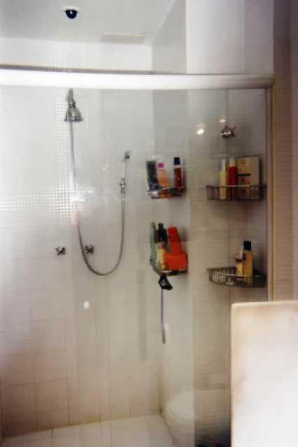 14 - 19 Banheiro 7 - Flat À VENDA, Leblon, Rio de Janeiro, RJ - FLA1793 - 6