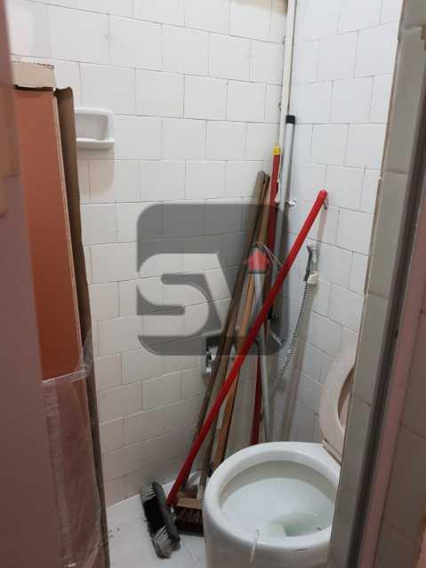 Banheiro de serviço - Vista Livre. Comércio farto. 2 quartos + dependência completa - SVAP20031 - 16