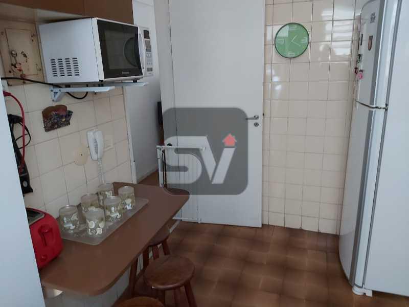 Cozinha - Rua nobre. Quarto e sala. 60 m². Vaga na escritura. Flamengo. Varanda - SVAP10055 - 14