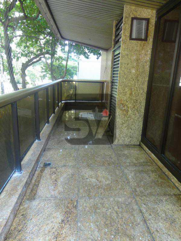 Varanda (circular) 1 1º andar - Magnífico apartamento duplex. 3 SUÍTES. Varanda. 2 Vagas - VIAP30275 - 4