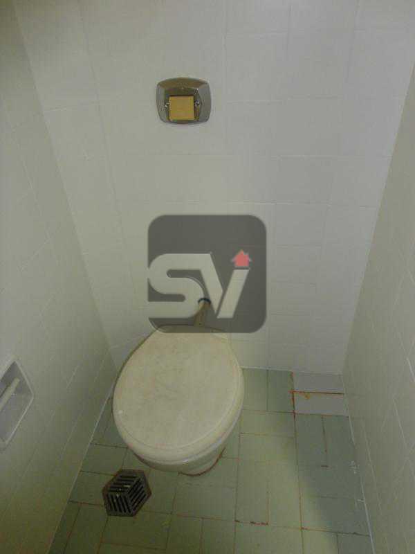 Banheiro de Empregada - Isento de IPTU. Varanda. 2 por andar. Ponto Nobre. Flamengo. 3 Quartos - SVAP30001 - 21