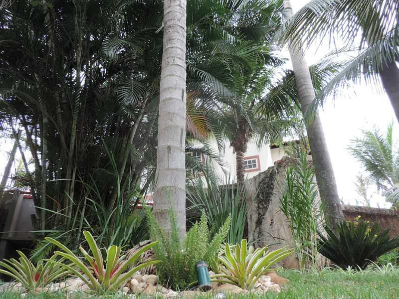 28 - Jardim - Agate imoveis vende casa em condominio Regiao Oceanica Itaipu Niteroi - HTCN50002 - 29